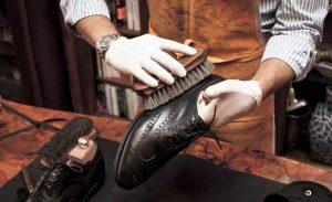 Очистка кожаной обуви