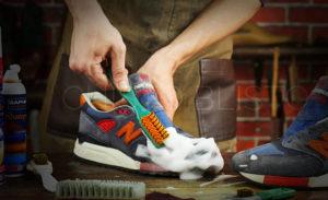 Очистка замшевой обуви